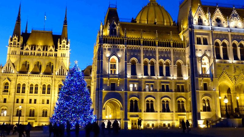 Vorosmarty Square Budapest Christmas Market.Budapest Christmas Fair Winter Festival Xmas Market 2019