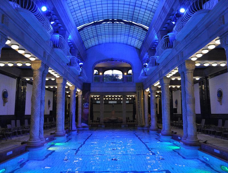 baños termales Budapest Piscina exteriores