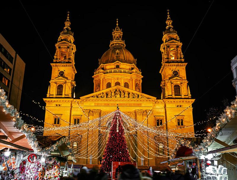 budapest christmas market st stephen basilica
