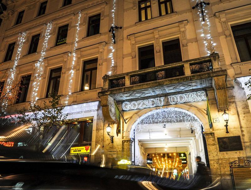 Visit budapest sign location gozsdu udvar