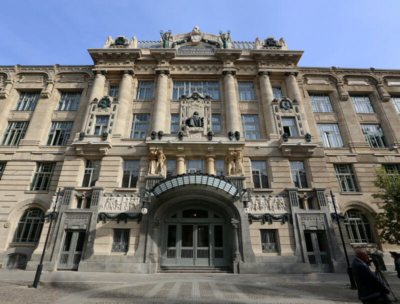 visit budapest 2020