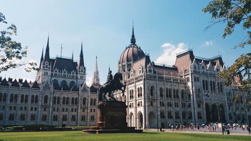budapest atractions parliament